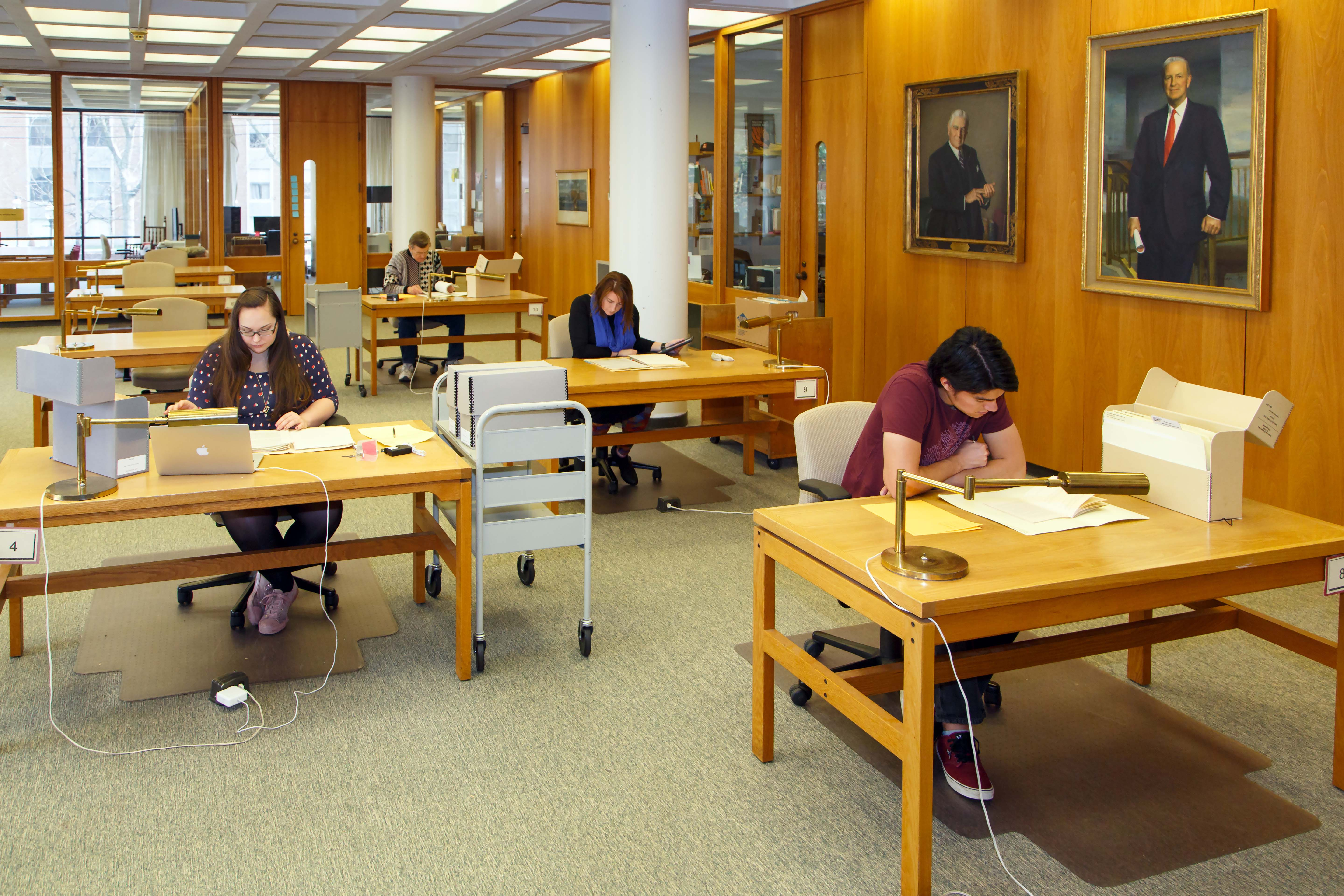 Students studying at Mudd Library